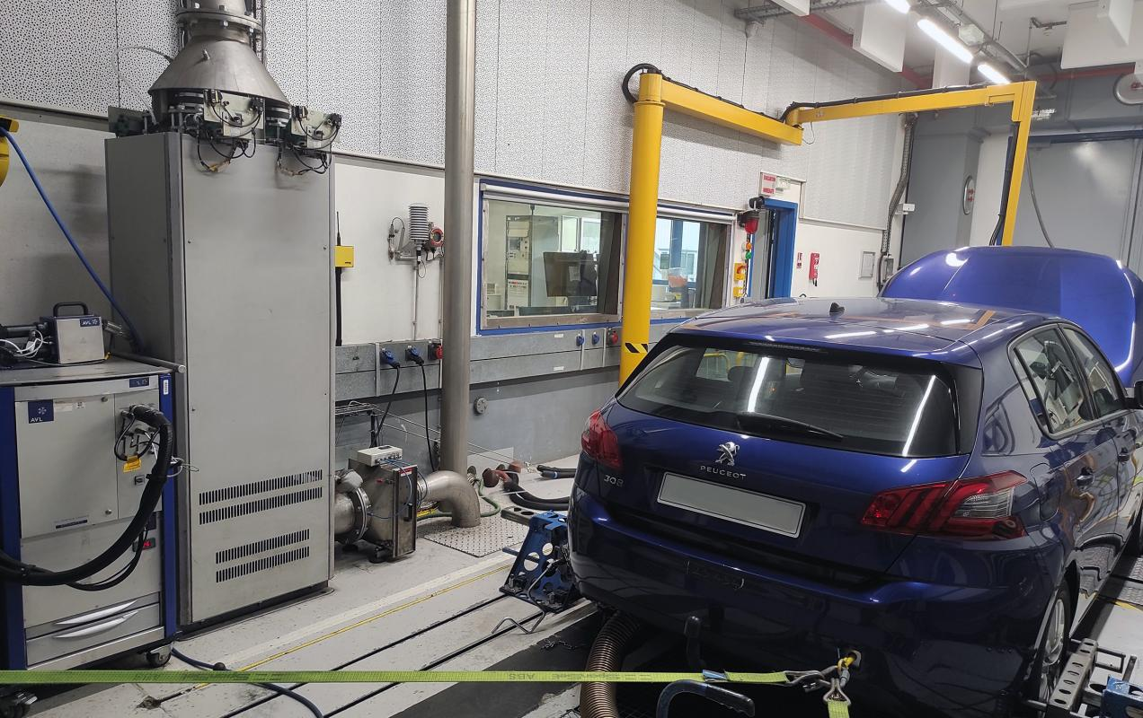 Banc à rouleaux dédié à la mesure des polluants (EMC – Site d'Osny)